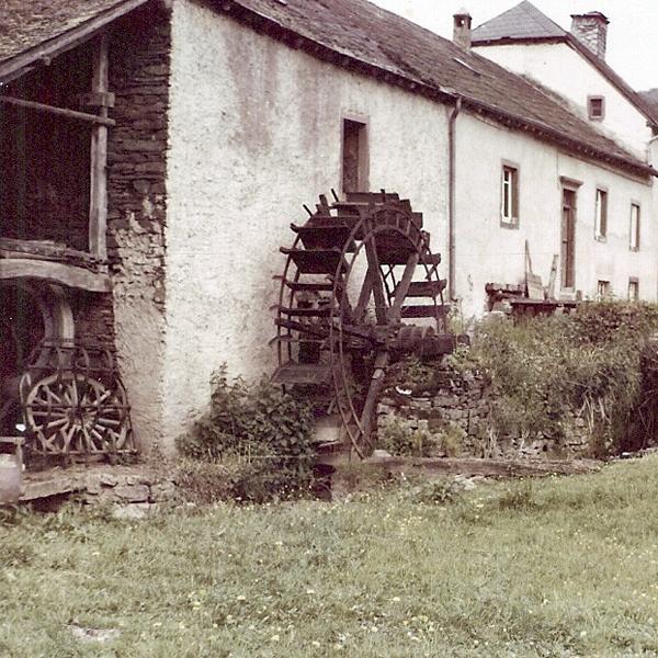 1a old Mühlengebäude von hinten