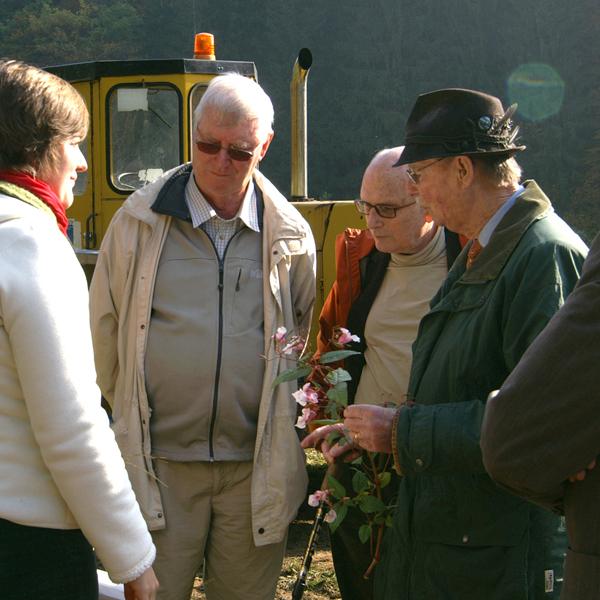 """Großherzog Jean an den """"Kaalbermillen"""" in Heinerscheid, im November 2007 Standort der zukünftigen Perlmuschelzuchtstation in den Ardennen. Flussperlmuschel Kampagne 2007 ©Brigitte Michaelis"""